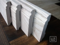 Solid wood skirting boards, Ash, historical profile of Hamburg, 20x90, Prime-Nature grade, lacquered